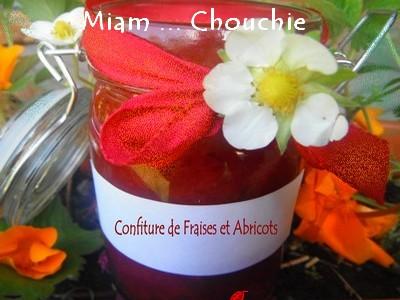 confiture de fraises et d'abricots