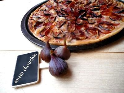 tarte aux figues, coppa et mozarella