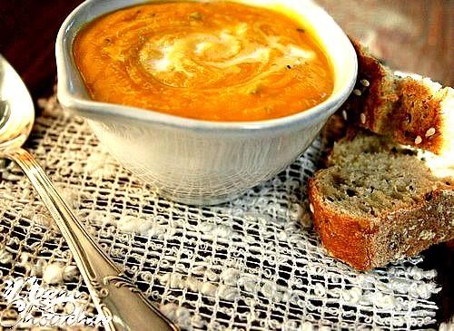 soupe-de-potimarron-carottes-lait-de-coco